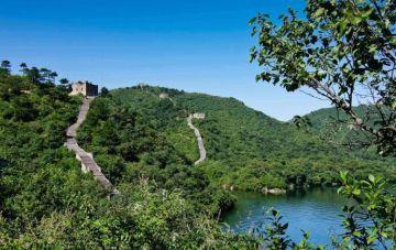 Juyongguan Huanghuacheng and Mutianyu Great Wall 2 Days Package Tour