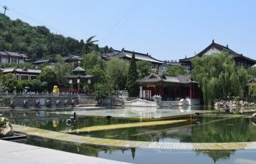 Terra-cotta Warriors, Huaqing Hot Spring and Qin Tomb Private Tour